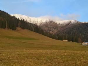 Corno Alto (2623m) e Corno Di Fana dal Borgo di Candelle