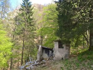 Ruderi della Casera Val Lunga (1278m)