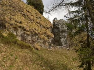 Quota 1585 m, un mini cannyon formato dal distacco di una roccia