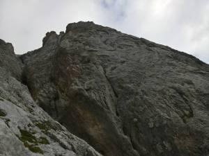 Parete rocciosa levigata del Monte Peralba