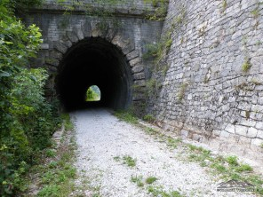 Ferrovia dismessa all'inizio del sentiero