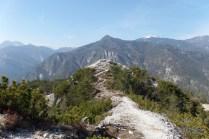Selletta che porta alla vera cima del Nebria.