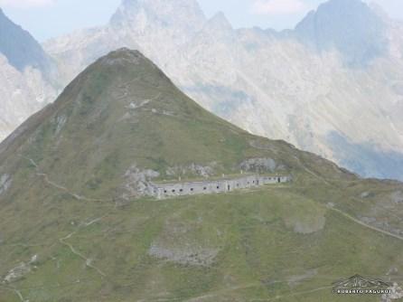 Villaggio militare ancora intatto.