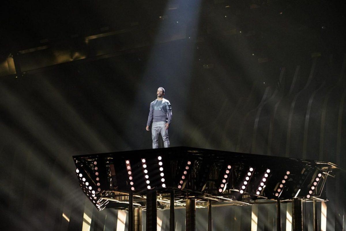 Cesár Sampson on stage in Lisbon, Portugal.