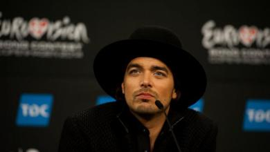 Photo of Waylon to focus on his solo career