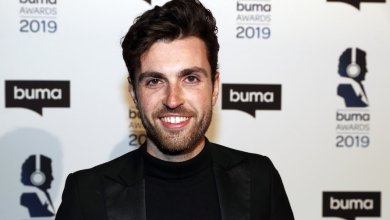 Photo of 🇳🇱 Duncan Laurence got engaged to his boyfriend Jordan.
