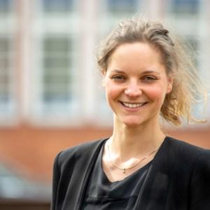 Marie Dau, Wirtschaftspsychologin und systemischer Coach bei Eselcoaching in Lüneburg