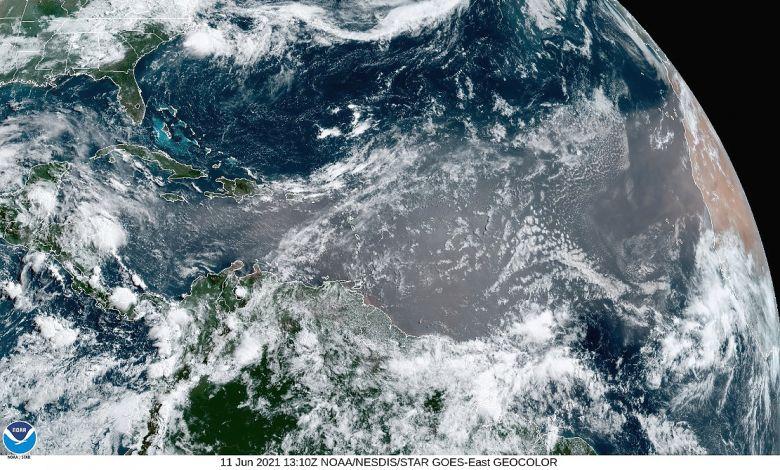 Imensa nuvem de poeira do Saara chega ao Caribe e pode alcançar à Flórida.