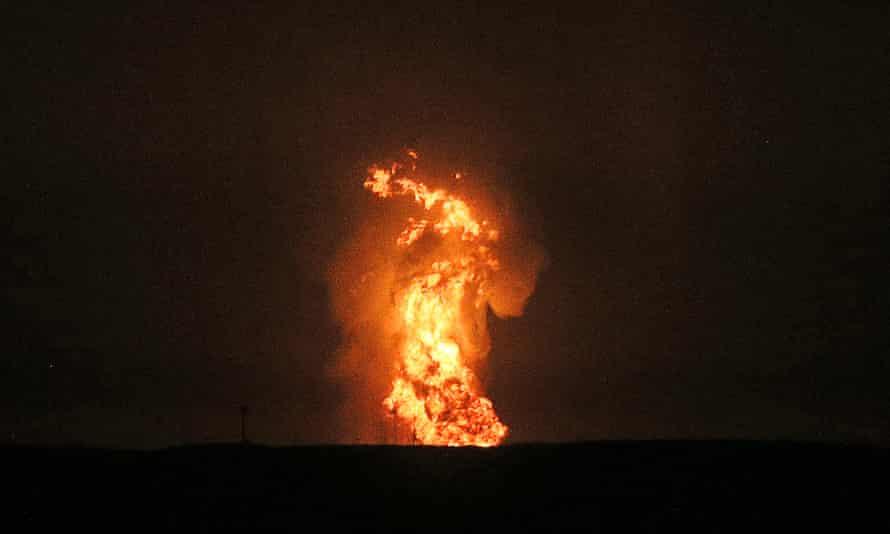 Uma explosão no meio do Mar Cáspio.