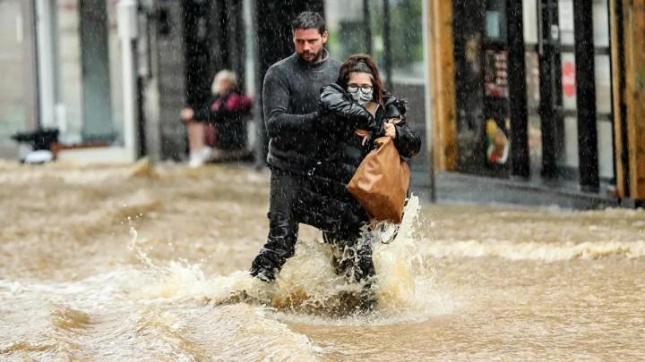 Mais de 1.400 pessoas estão desaparecidas na maior tempestade dos últimos 100 anos na Europa.