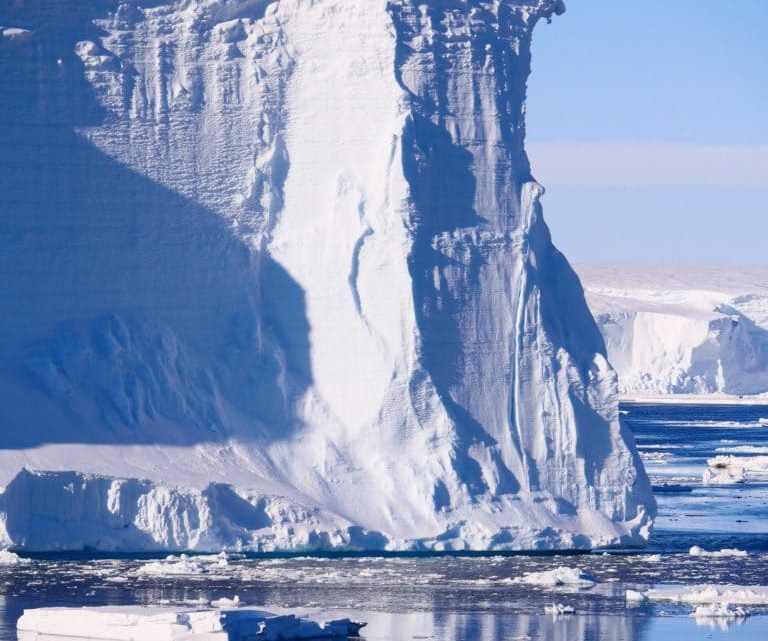 Antártida está travando uma batalha contra o descongelamento.