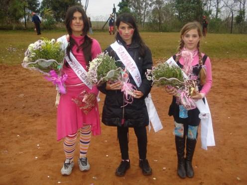 Da esquerda para a direita: Janaína dos Santos Souza, Dienifer Briani Fontana, Kalindy Tonello Vezaro.