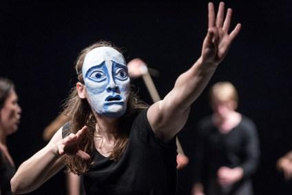 Studiując Hamleta, reż. Grzegorz Bral, Bral School of Acting, Teatr Pieśń Kozła (Polska/Wielka Brytania). Fot. Dawid Linkowski