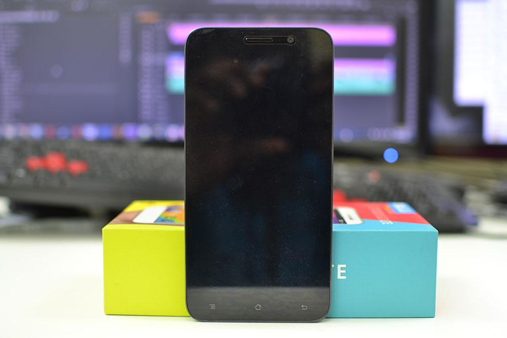 Picture of the front of the BLU Studio 6.0 LTE