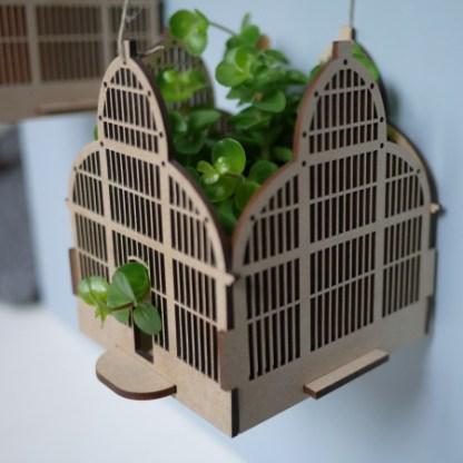 suspension pour plantes en bois avec ficelle, désigné en France par une créatrice lyonnaise