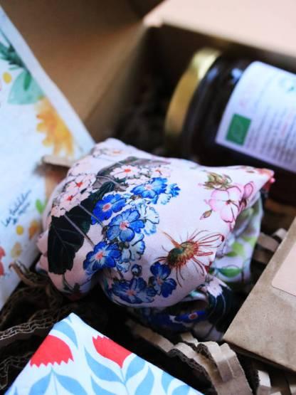 headband, bandeau fleuri tropical et fleurs champêtres, confectionné en france par ENAIS, jeune créatrice etsy