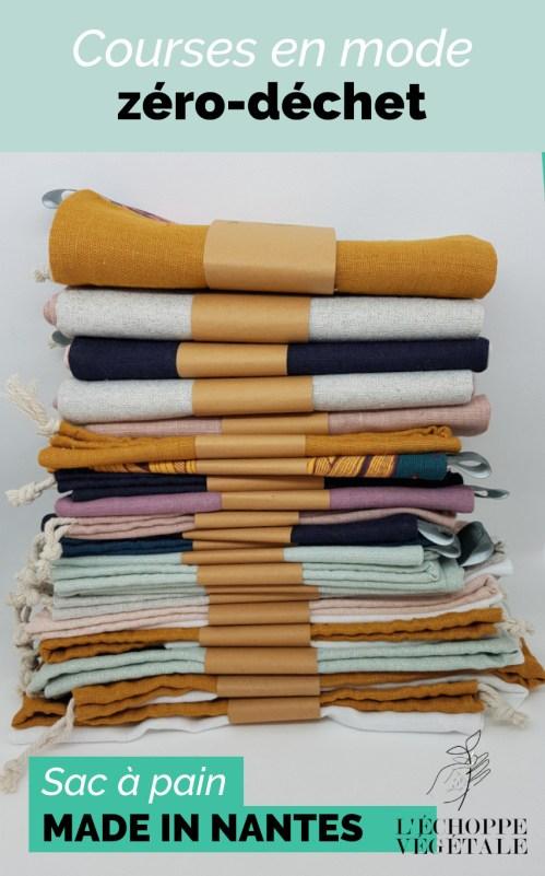 sac à pain en tissu pliés et rangées les uns sur les autres