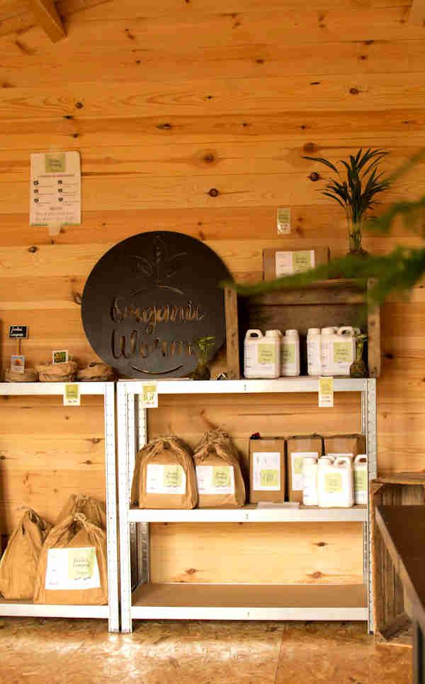 cabane organic worm en bretagne, entreprise bretaonne de lombricompost, jardinage urbain