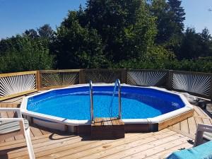 Pool indbygget i terrasse