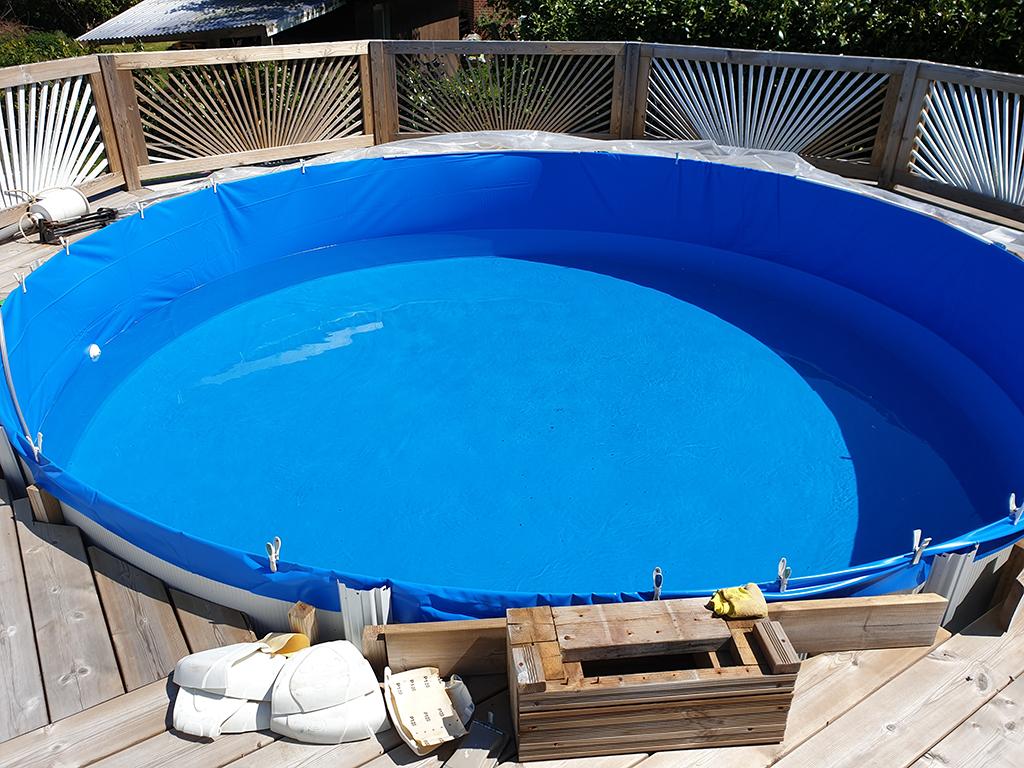 Opfyldning af vand i pool