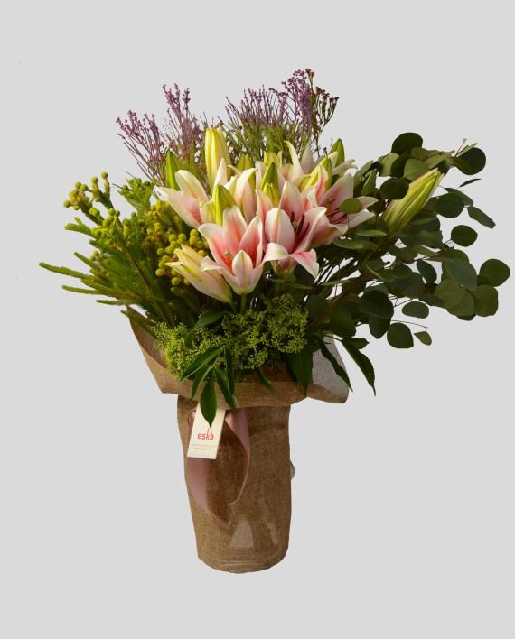 Lushful-Lilies
