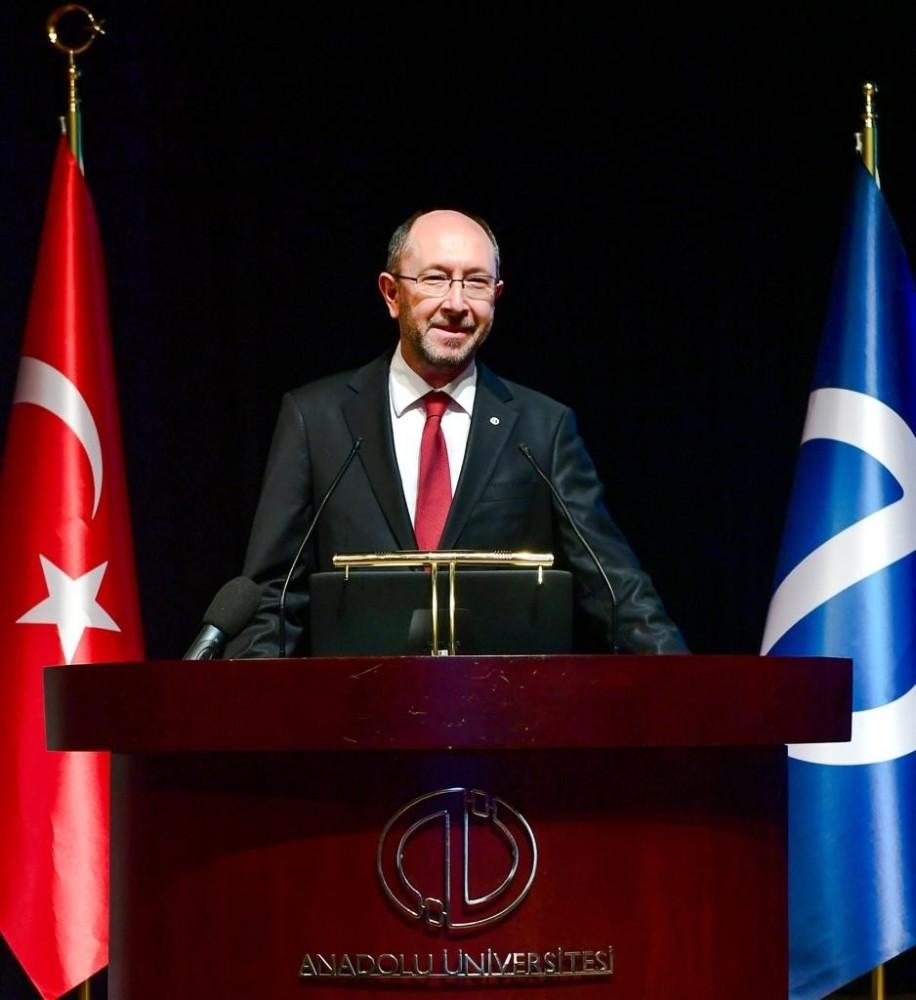 Rektör Erdal'dan Anadolu Üniversitesinin kuruluş yıldönümü mesajı