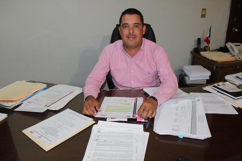 «El dirigente del PAS está desinformado, anda en campaña política»: Leonel Vea