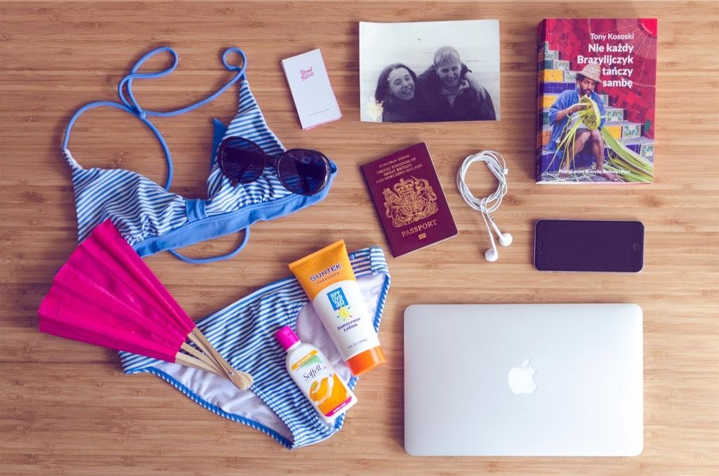 theblondtravels-travel-items