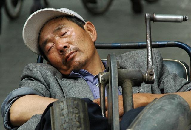 los hombres duermen mas dormir mucho
