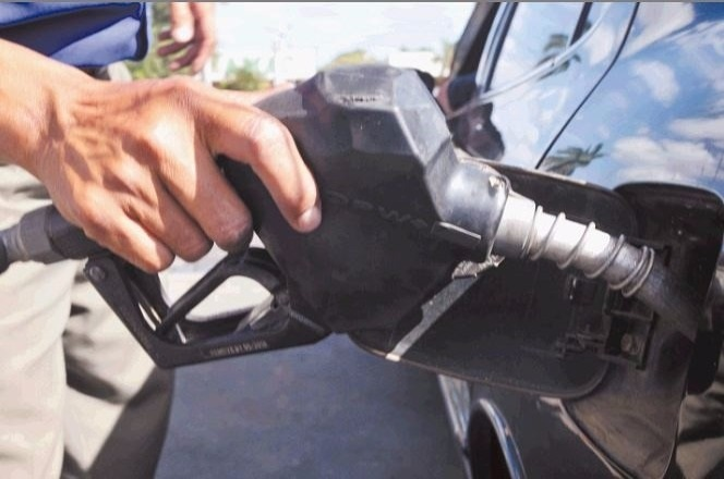 DACO pide explicaciones a gasolineras que no bajaron sus precios
