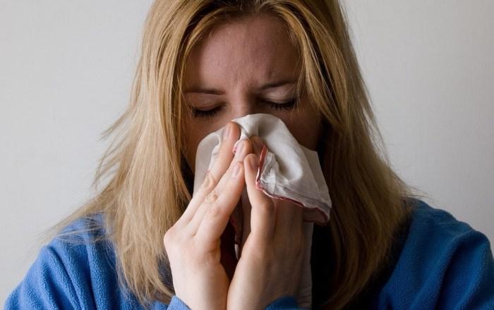 Farmacias hacen llamado ante el coronavirus