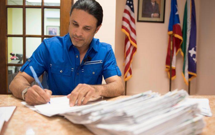 Radican querella contra el alcalde de Adjuntas por supuesta amenaza a un empleado