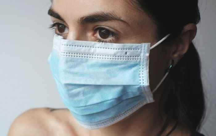 Reconocido científico chino recomienda mascarilla para frenar coronavirus