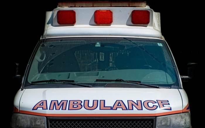 Hombre golpea a su pareja y la envía al hospital