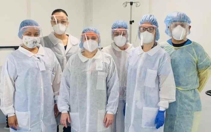 Distribuyen escudos faciales diseñados en el RUM para profesionales de la salud