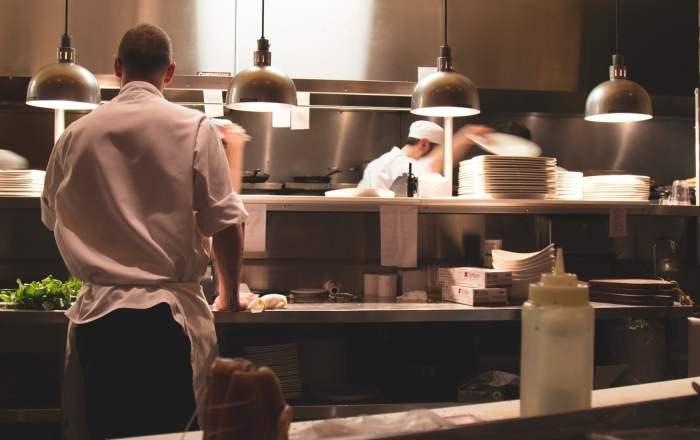 Solicitan que restaurantes abran los 7 días