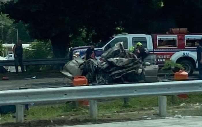 Presentan cargos contra conductor de camión por accidente con 12 vehículos en la autopista