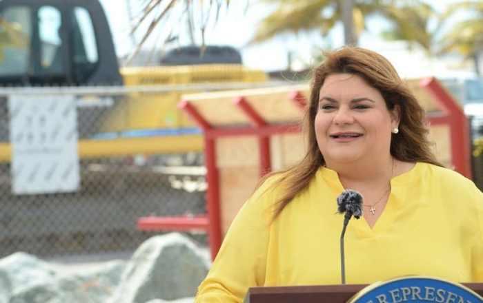 Jenniffer González se une a esfuerzo bipartita para restaurar y conservar los arrecifes de coral