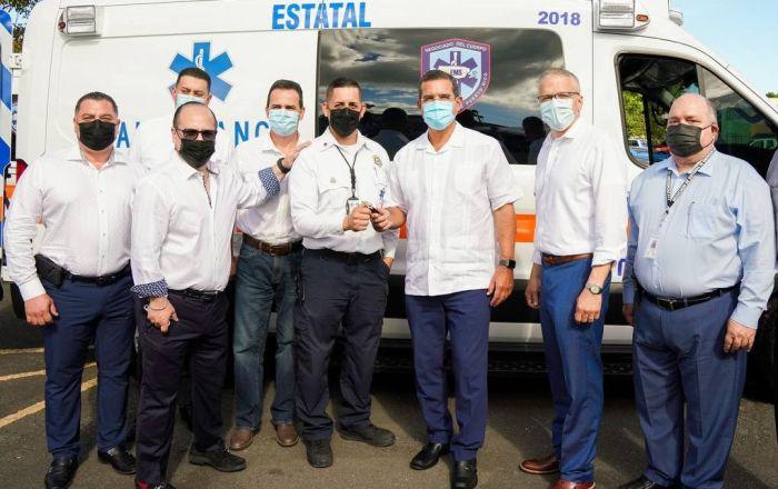 Entregan 18 ambulancias a Emergencias Médicas