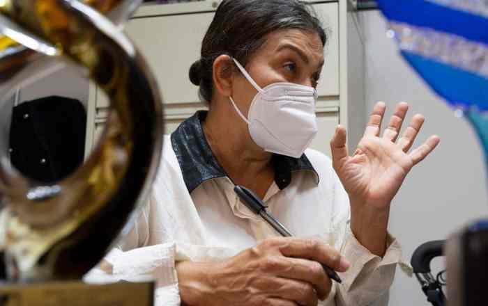 Vacunan primera paciente de COVID que se reportó en el sur