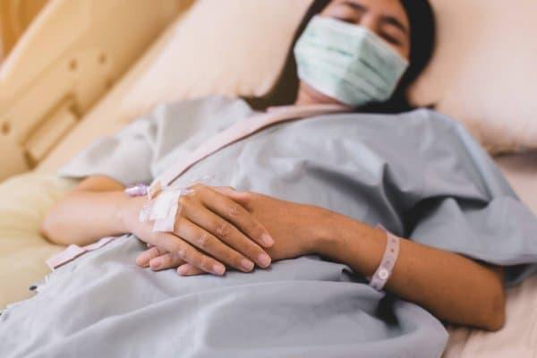 Trece de los 50 pacientes con alguna de las variantes del COVID son de la Región de Ponce