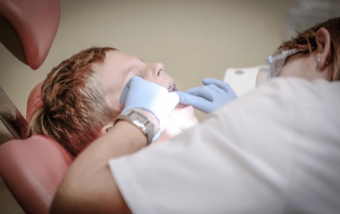 Importante la higiene oral para personas con autismo