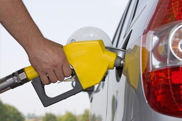 Prevén más aumentos en el precio de la gasolina