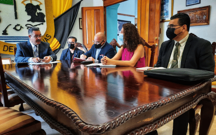 """Alcalde de Juana Díaz """"frustrado"""" tras primera reunión con LUMA"""