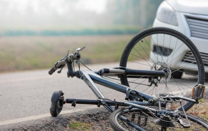 En condición de cuidado ciclista atropellado en Guayanilla