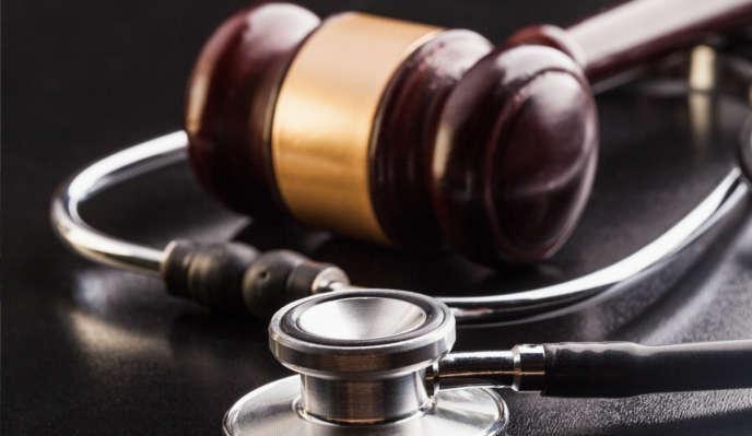 Exdirector de hospital se declara culpable en esquema de fraude
