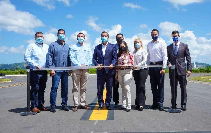 Inauguran renovada pista de aterrizaje en aeropuerto de Mayagüez