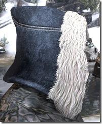 Colovian-Fur-Hood-male-right