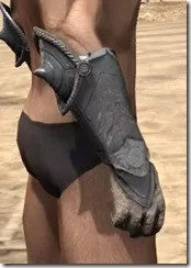 Daggerfall Covenant Iron Gauntlets - Male Right
