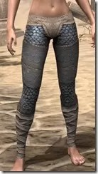 Daggerfall Covenant Iron Greaves - Female Front